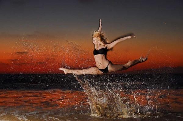 0787alaina-hoolihan-dancer-and-devil-girl-c0787